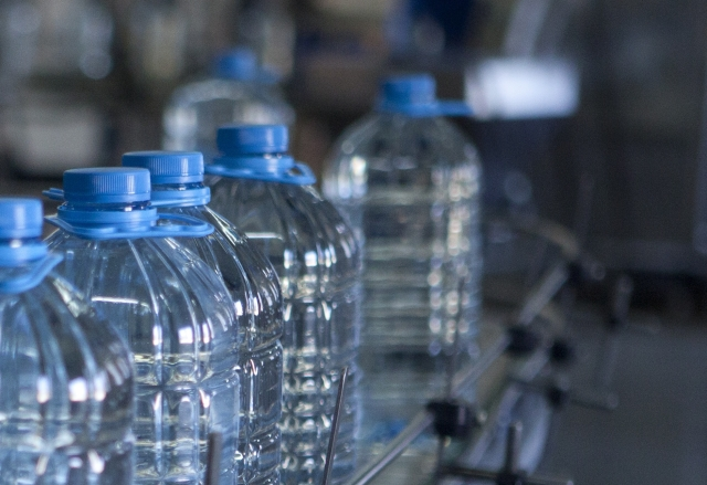 【正社員登用有】清涼飲料水の機械オペレーター<交替勤務>【札幌市清田区】